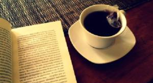 tea and a book du thé et un livre