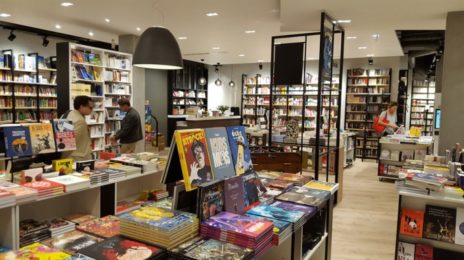 le-divan-librairie-paris-rayon-bd